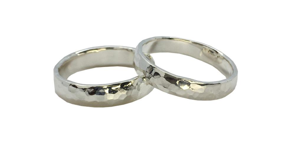 槌目-指輪--かたい-絆--