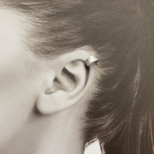 【鍛造槌目耳飾り】純銀Sサイズ-イヤーカフ-