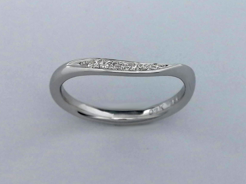 結婚指輪女性