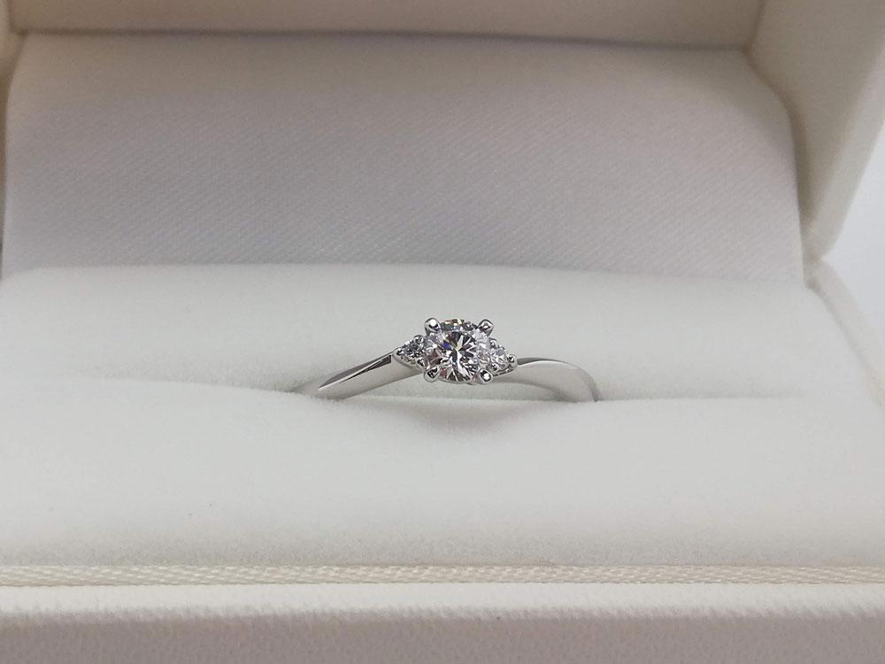 オリエント婚約指輪1